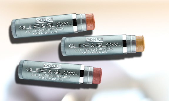 Glide & Glow 3-in-1 Highlighter Eyeshadow Base